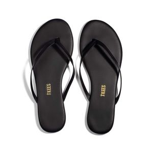 Tkees black liners flip flops